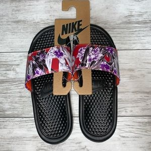 Nike Women's Slide Sandals Size 6 NWT